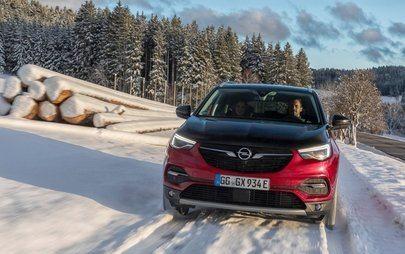Opel Grandland X cu tracțiune integrală electrică