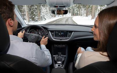 Opel Grandland X Plug-in Hibrid cu tracțiune integrală electrică