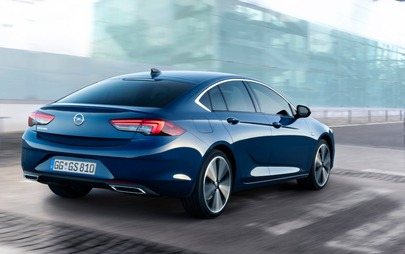 Noul Opel Insignia aduce în segment ultima generație de lumini IntelliLux LED® Pixel